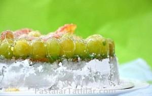 Yeşil Üzümlü Pasta